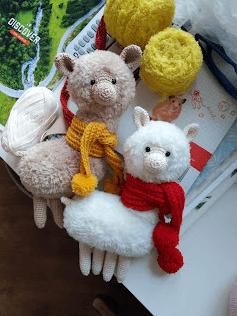 knittedstorybears llama alpaca